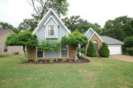 305 Great Falls Collierville TN, 38017