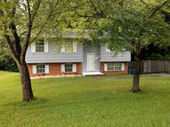104 Foxwood Circle Oliver Springs TN, 37840
