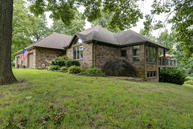 2126 North Lakeview Drive Brookline MO, 65619