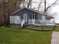 1468 Lake Rd Conneaut OH, 44030