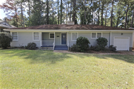 1085 Meadow Heights Dr Jackson MS, 39206