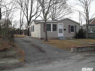 52 Lake Shore Dr Patchogue NY, 11772