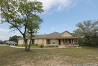861 Paddy Rd Floresville TX, 78114
