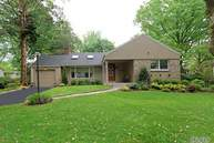 26 Midland Rd Roslyn Heights NY, 11577