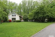 5 Moline Ct Great Neck NY, 11024