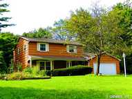 93 Tree Brook Dr Rochester NY, 14625