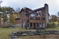 122 Manor Woods Ct Paupack PA, 18451