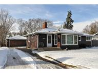 2913 Noble Avenue N Golden Valley MN, 55422