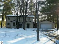 2437 Ne Timber Trail Kalkaska MI, 49646