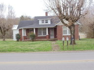 208 E Lake Avenue Celina TN, 38551