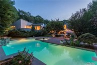 6 Westview Dr Oyster Bay NY, 11771