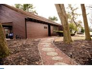 1873 Foothill Dr Huntingdon Valley PA, 19006