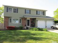 4 Lovell Ct Farmingville NY, 11738
