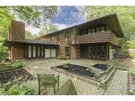 1965 Mornington Ln Unit: 8 Cleveland Heights OH, 44106