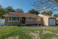 9 Stager Ln Commack NY, 11725