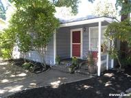 1975 D St Ne Salem OR, 97301