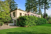 5 Scenic Dr Seattle WA, 98177