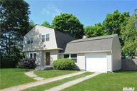 8 Longstreet Dr Lake Grove NY, 11755
