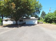 4477 Se Rockwood St Milwaukie OR, 97222