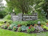 11 Frost Pond Dr Roslyn NY, 11576
