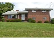 213 Pinewood Dr Butler PA, 16001