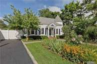 36 Grove Ave Patchogue NY, 11772