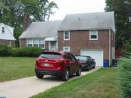 4 Meadowbrook Ln Brookhaven PA, 19015