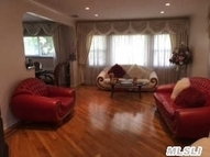 69-70 113st Forest Hills NY, 11375