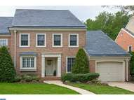 53 Foxwood Dr Moorestown NJ, 08057