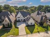 1251 S Dubray Pl Collierville TN, 38017