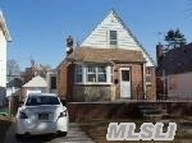 83-43 258th St Floral Park NY, 11004