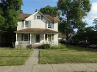 28 Woodward St Roslyn Heights NY, 11577