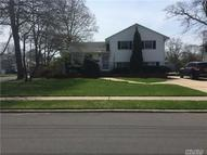 30 Mcelroy St West Islip NY, 11795