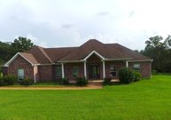 208 Riverwood Dr Florence MS, 39073