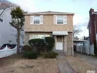 512 S 12th St New Hyde Park NY, 11040