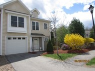 38 Woodview Way Manchester NH, 03102