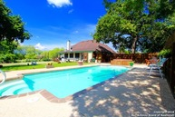 146 Home Place Dr Adkins TX, 78101