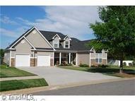 132 Lakepoint Drive Advance NC, 27006