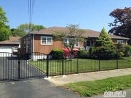 916 5th St West Babylon NY, 11704