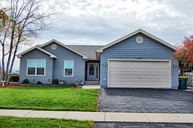 2450 Glen Circle West Sycamore IL, 60178