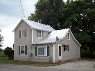 103 Onion St Creston OH, 44217