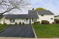 155 Sprucewood Dr Levittown NY, 11756