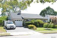 3800 Dianne St Bethpage NY, 11714