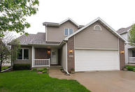 2811 White Oak Drive Ames IA, 50014
