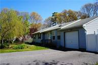 27 Forest Ave Brookhaven NY, 11719