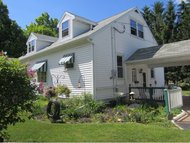 403 Douglas St New London WI, 54961