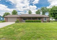 3302 Main Marion IL, 62959
