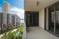 520 Brickell Key Dr #1210 Miami FL, 33131