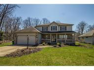 4824 Shelly Dr Seven Hills OH, 44131
