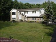 786 Clearview Dr Long Pond PA, 18334